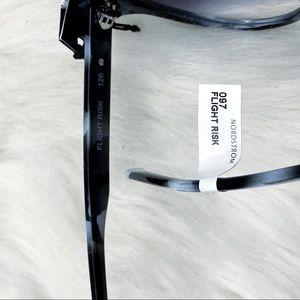 Quay Australia Accessories - NWT Quay Australia Flight Risk Shield Sunglasses